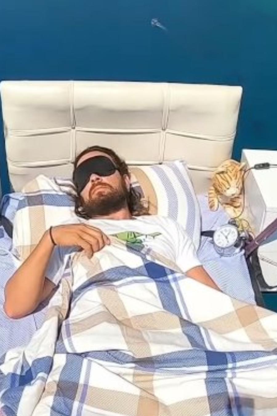 Paracaidista con cama