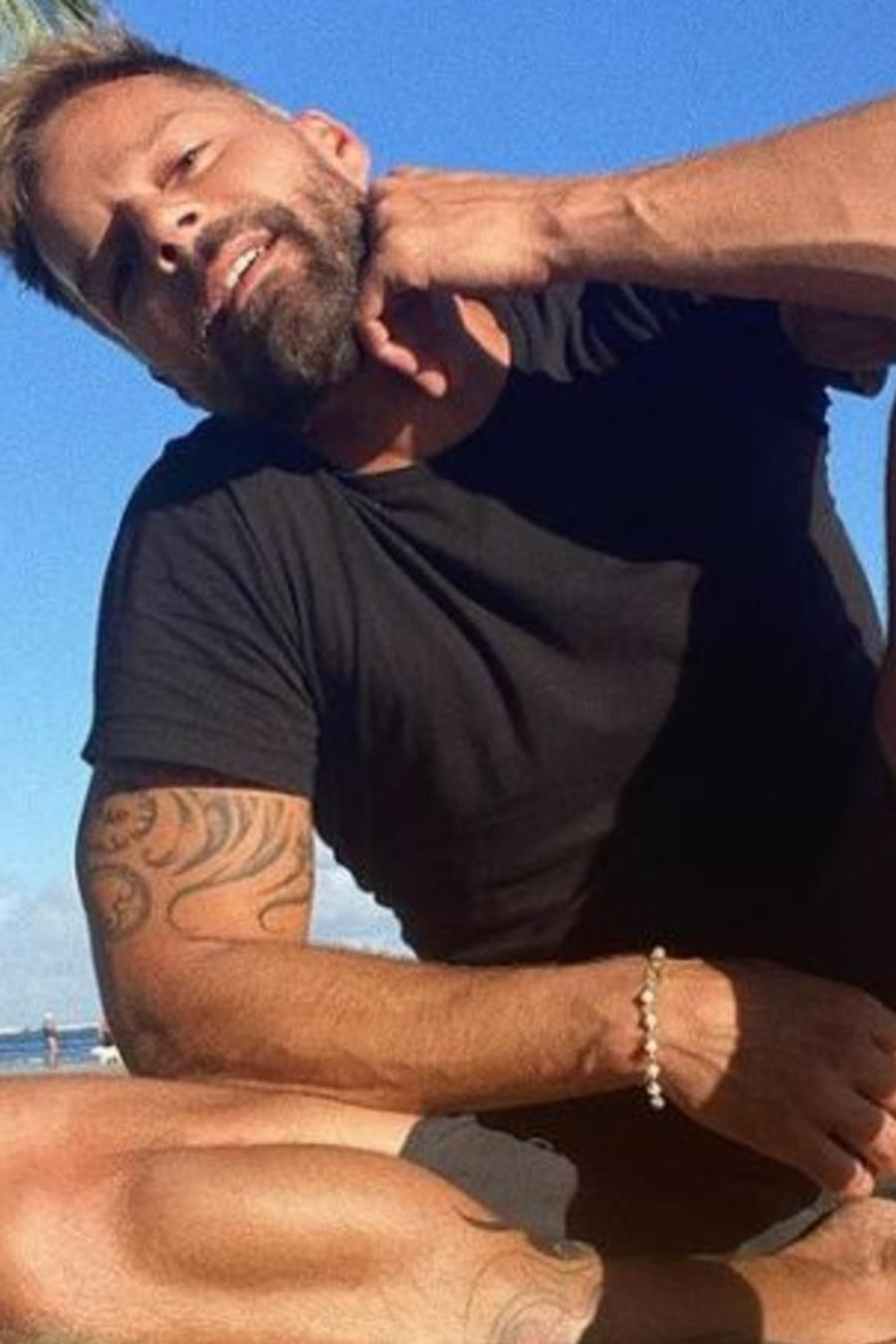 Ricky Martin en la playa