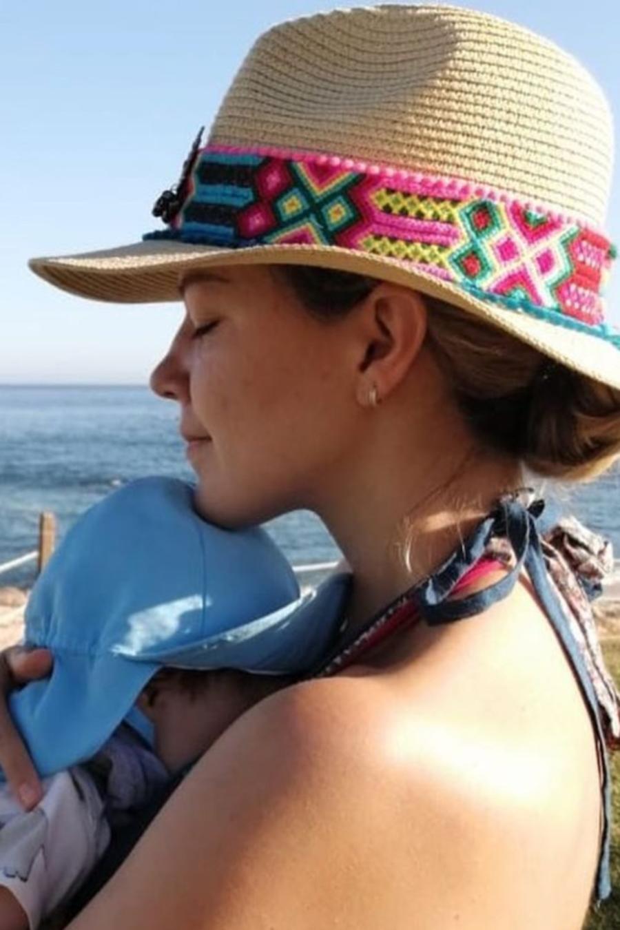 Fernanda Castillo y Dulce María con sus bebés