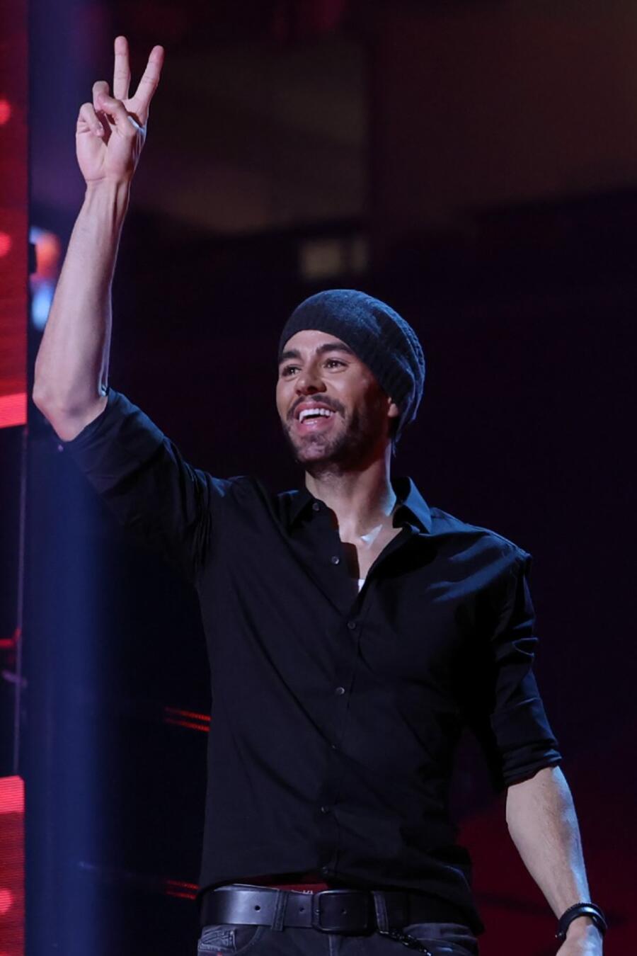 Enrique Iglesias en el escenario de los Premios Billboard 2020