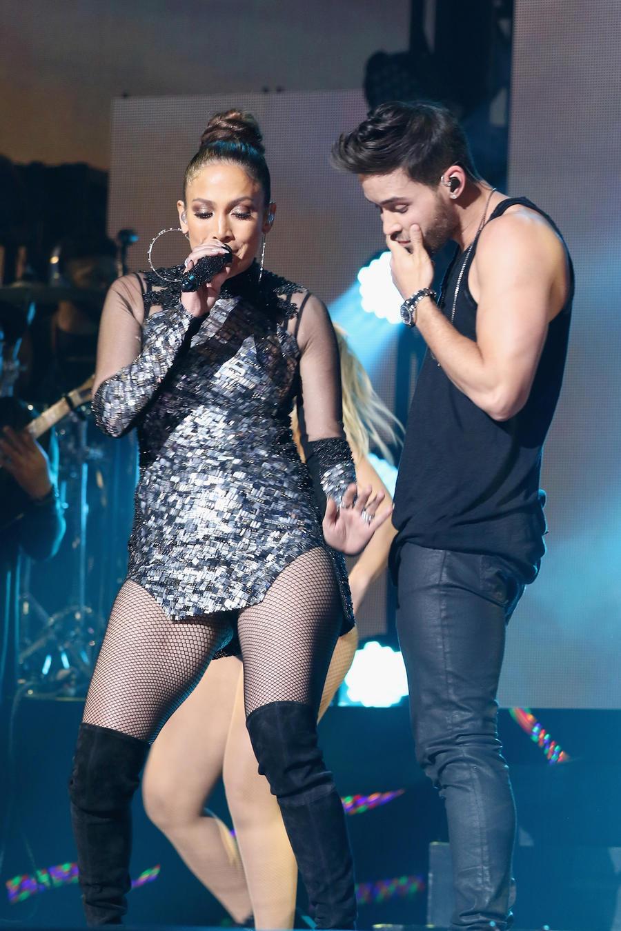 Prince Royce y JLo iHeartRadio Fiesta Latina Presented By Sprint - Show