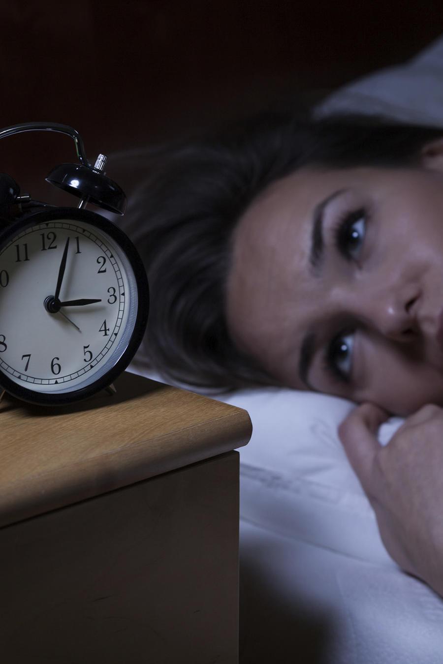 mujer insomnio pildoras