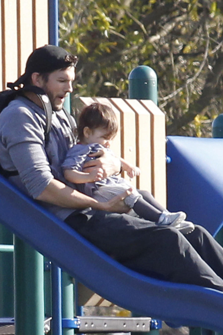 Ashton Kutcher y su hija Wyatt
