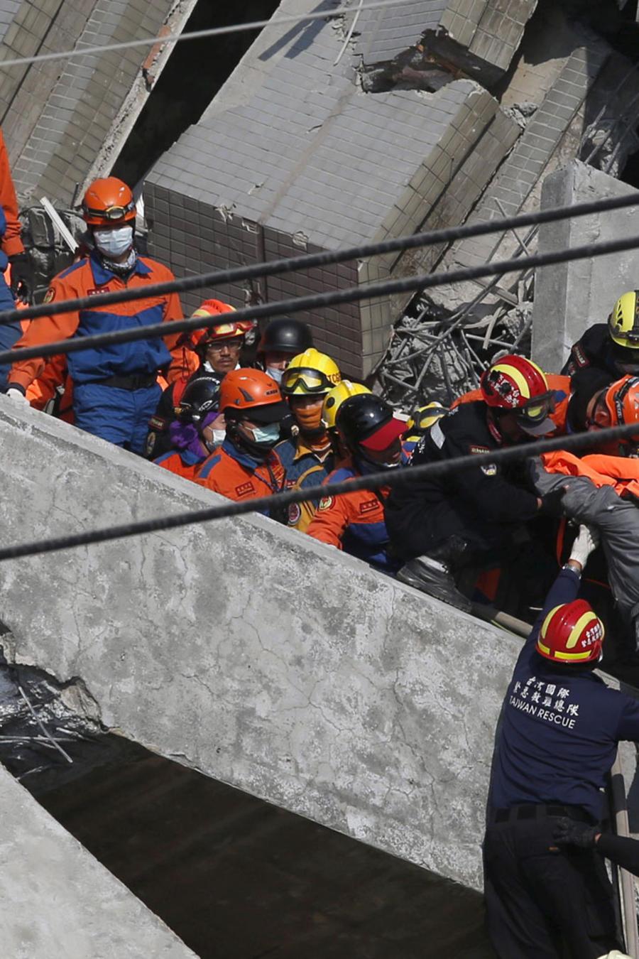 rescatistas terremoto