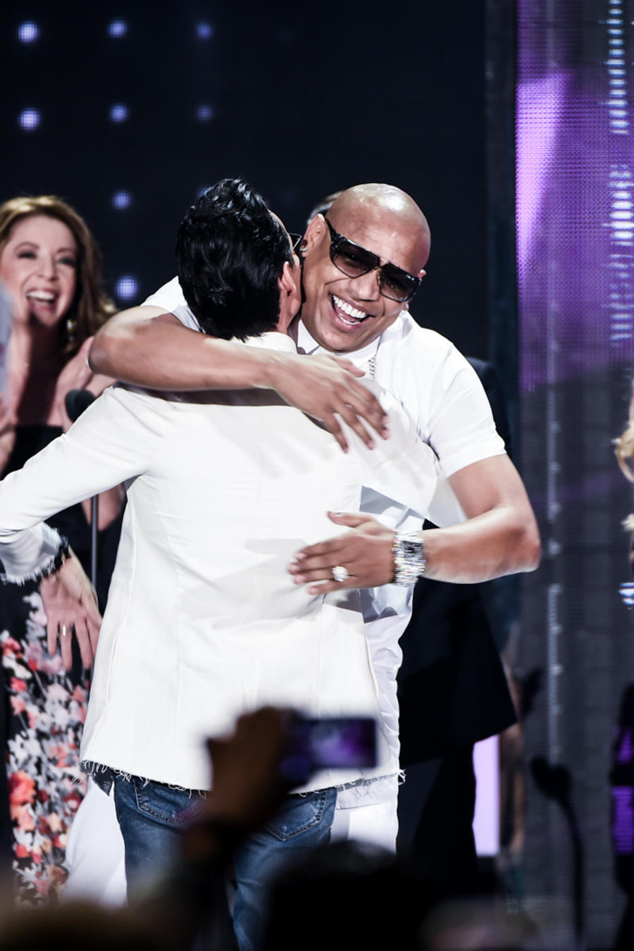 Gente de Zona y Marc Anthony reciben reconocimiento en Premios Billboard 2016