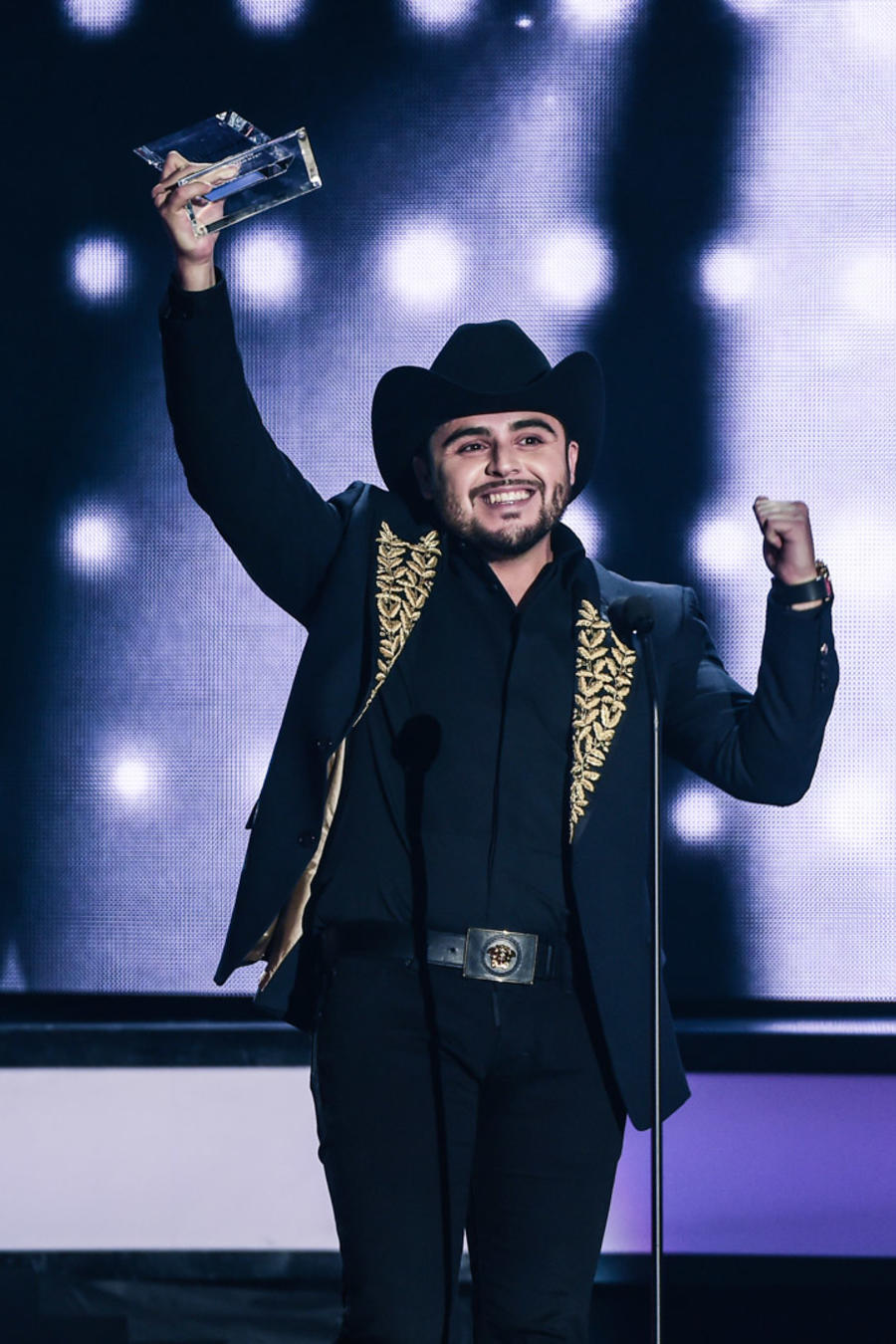 Gerardo Ortiz gana Premios Billboard 2016