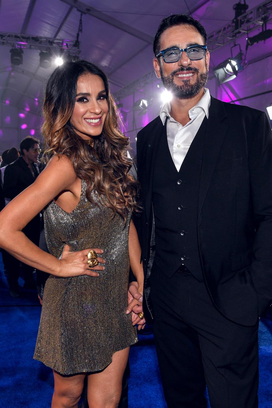 Catherine Siachoque y Miguel Varoni - Alfombra Azul Premios Tu Mundo 2016