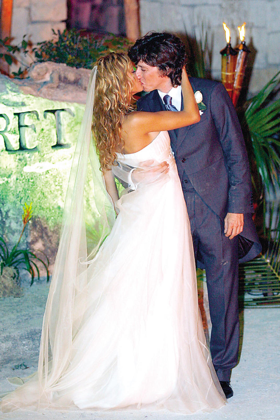 Paulina Rubio y Nicolas Colate boda