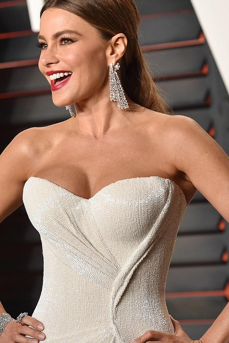 Sofía Vergara en fiesta de Vanity Fair de los Oscar en Los Ángeles, febrero 2016.
