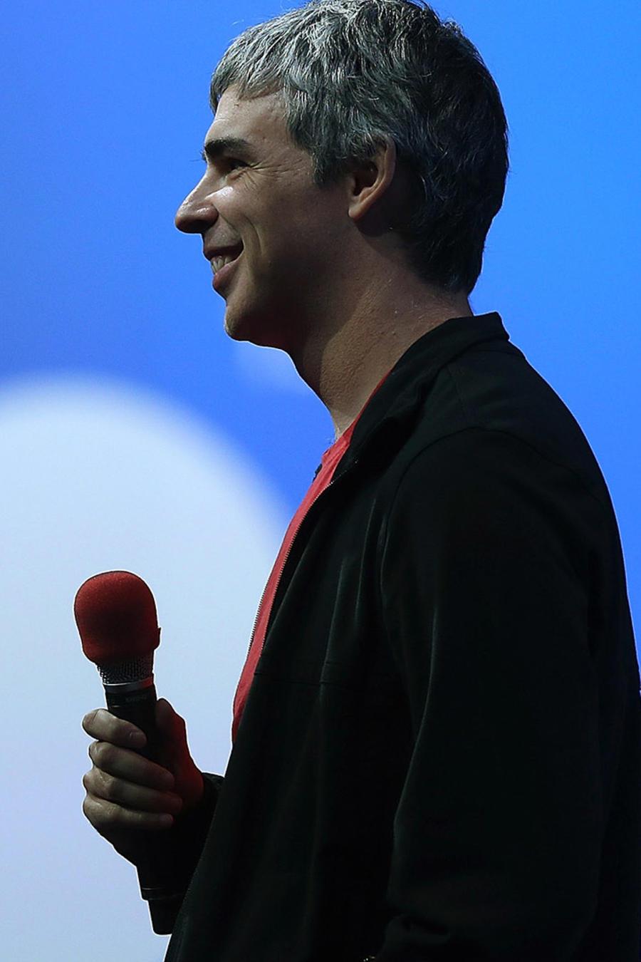 Larry Page dando una conferencia