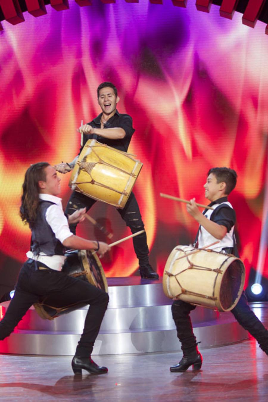 Ezequiel Rivas baila malambo en Siempre Niños