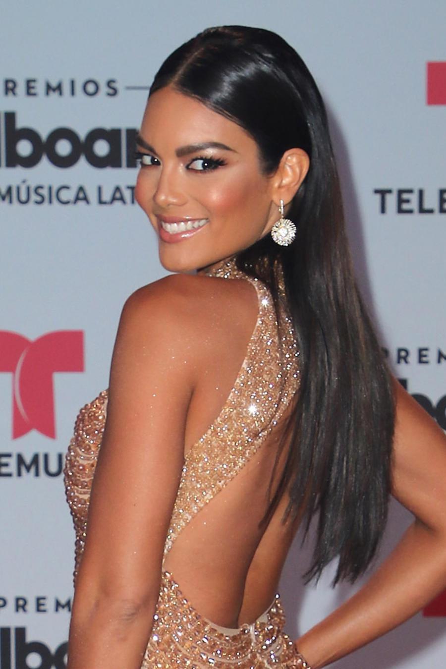 Zuleyka Rivera en la alfombra roja de Premios Billboard 2017