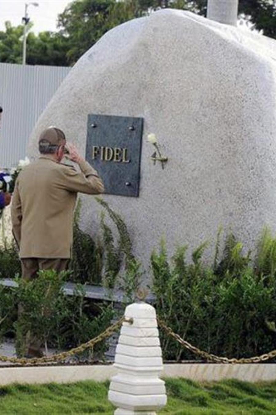 Los presidentes de Venezuela y Cuba honran a Fidel Castro en su mausoleo el martes 15 de agosto del 2017