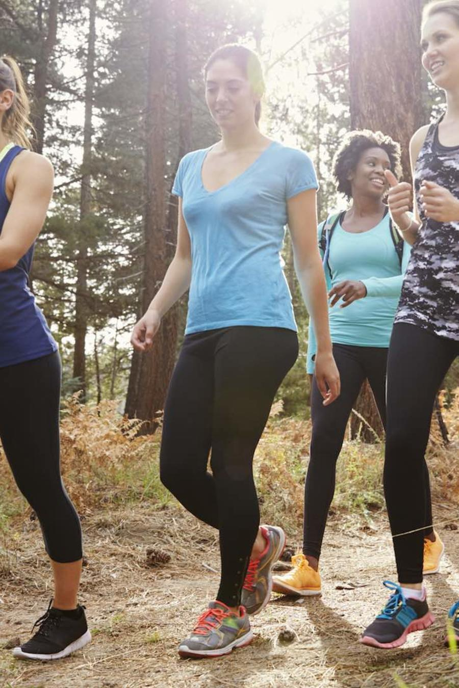 Grupo de mujeres haciendo ejercicio