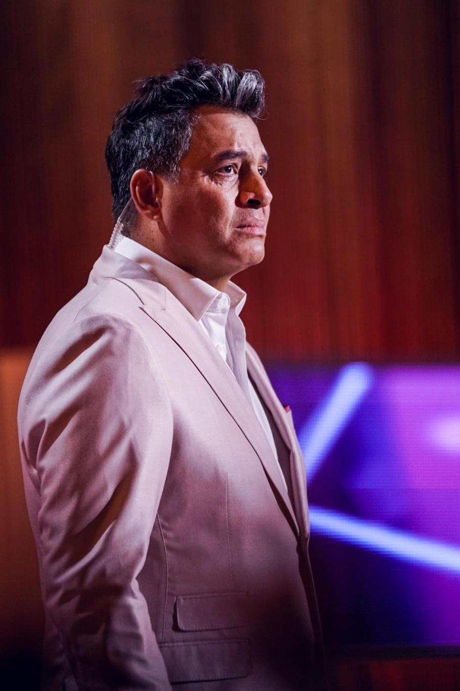 Daniel Sarcos presentando el Momento Venezolano