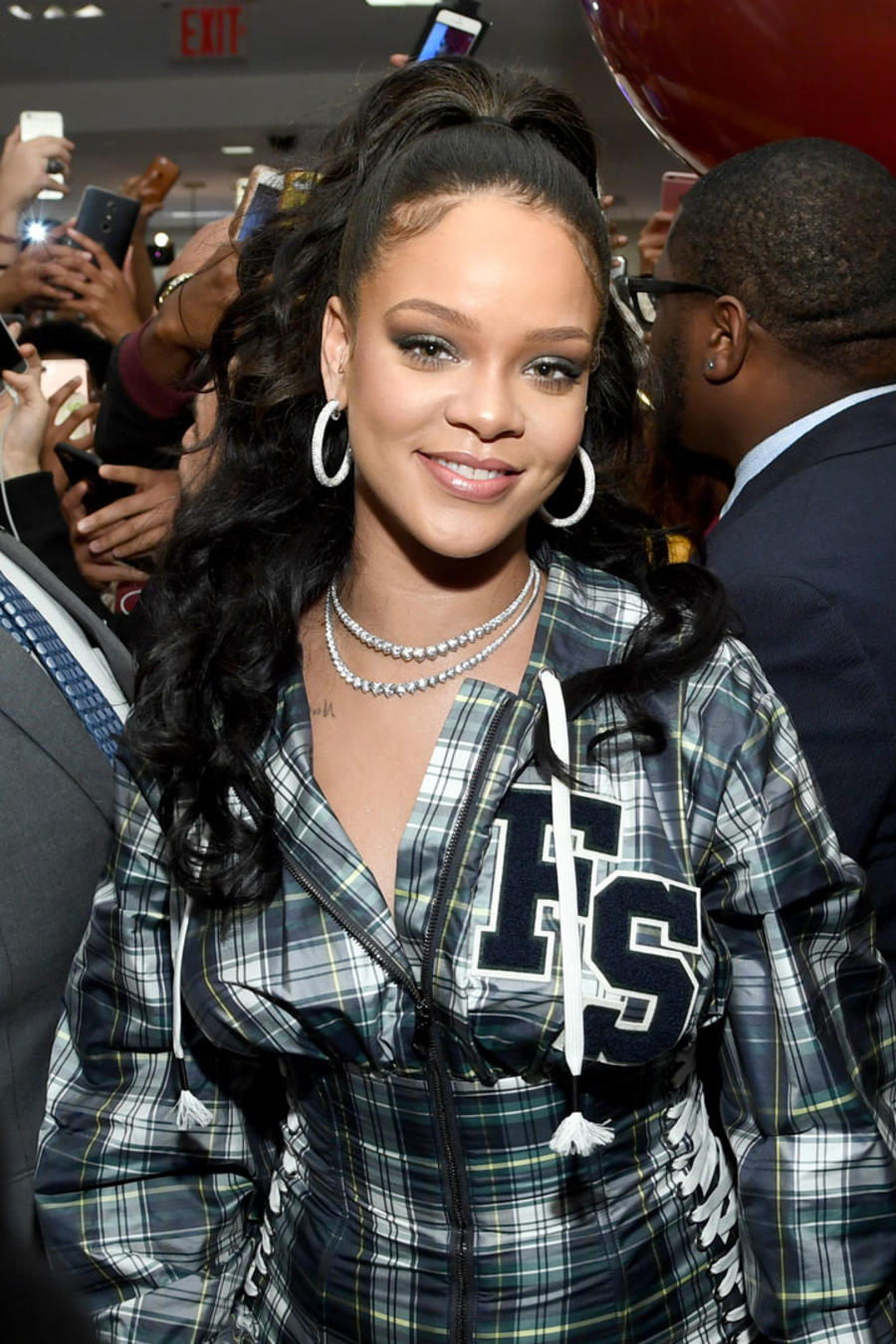 Rihanna sonriendo