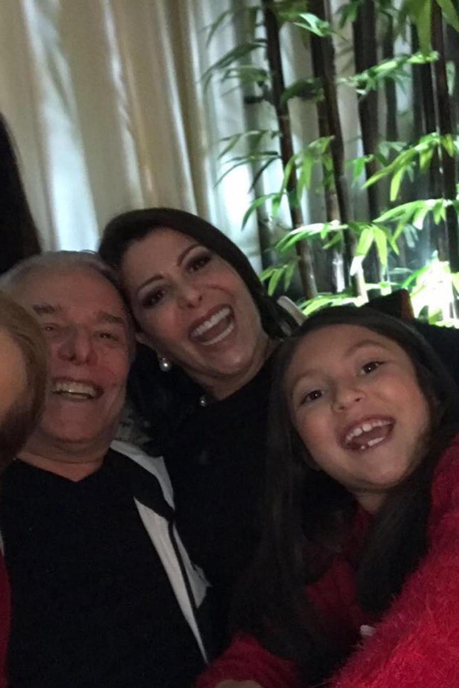 Alejandra Guzmán con su familia