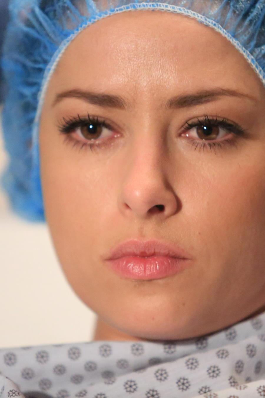 Sofía Lama se somete a una cesárea en Eva la Trailera