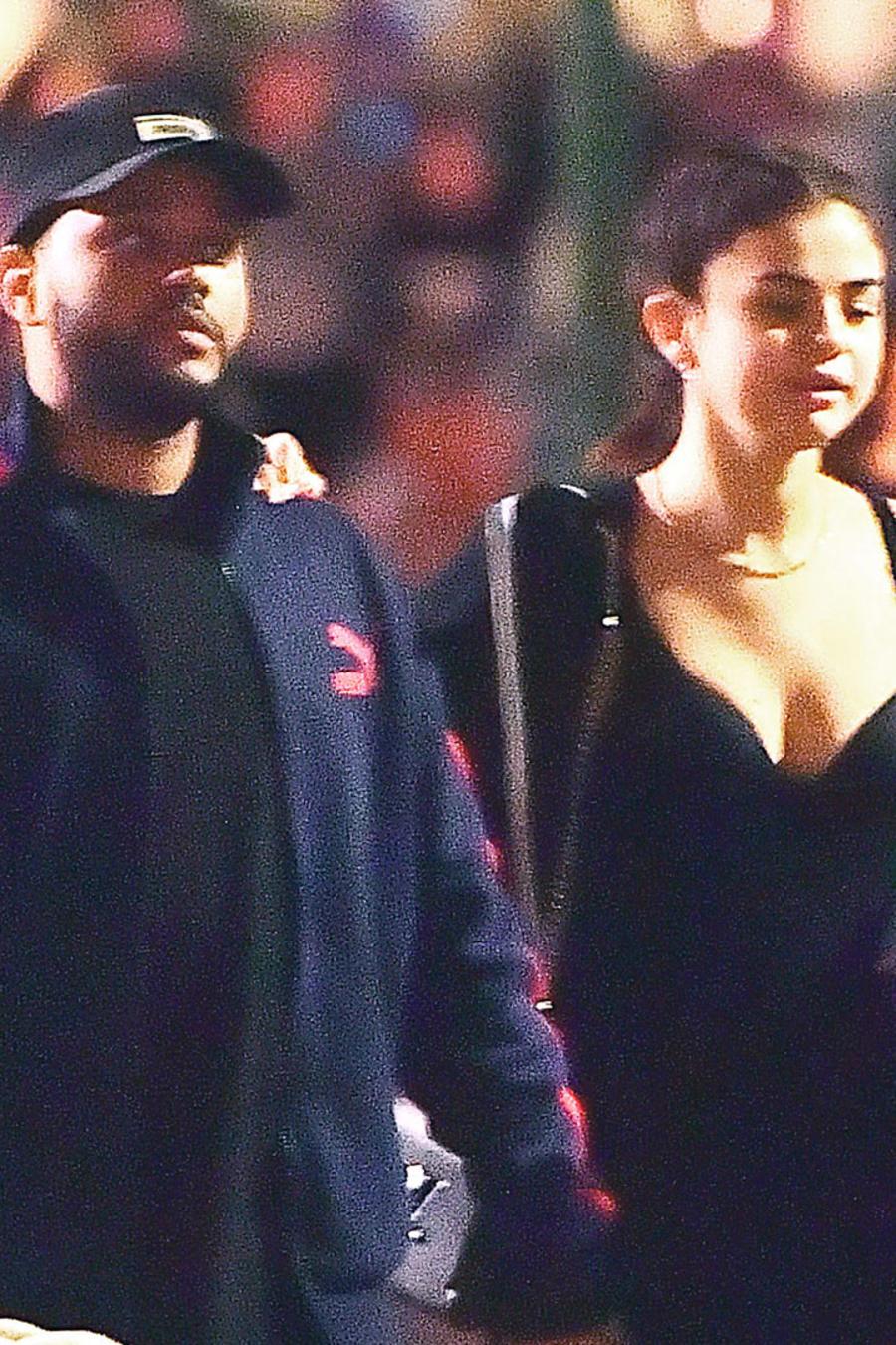 Selena Gomez y The Weeknd en Disney