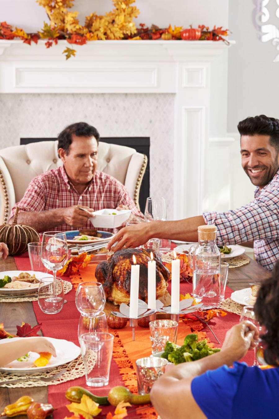 Familia en cena de Thanksgiving