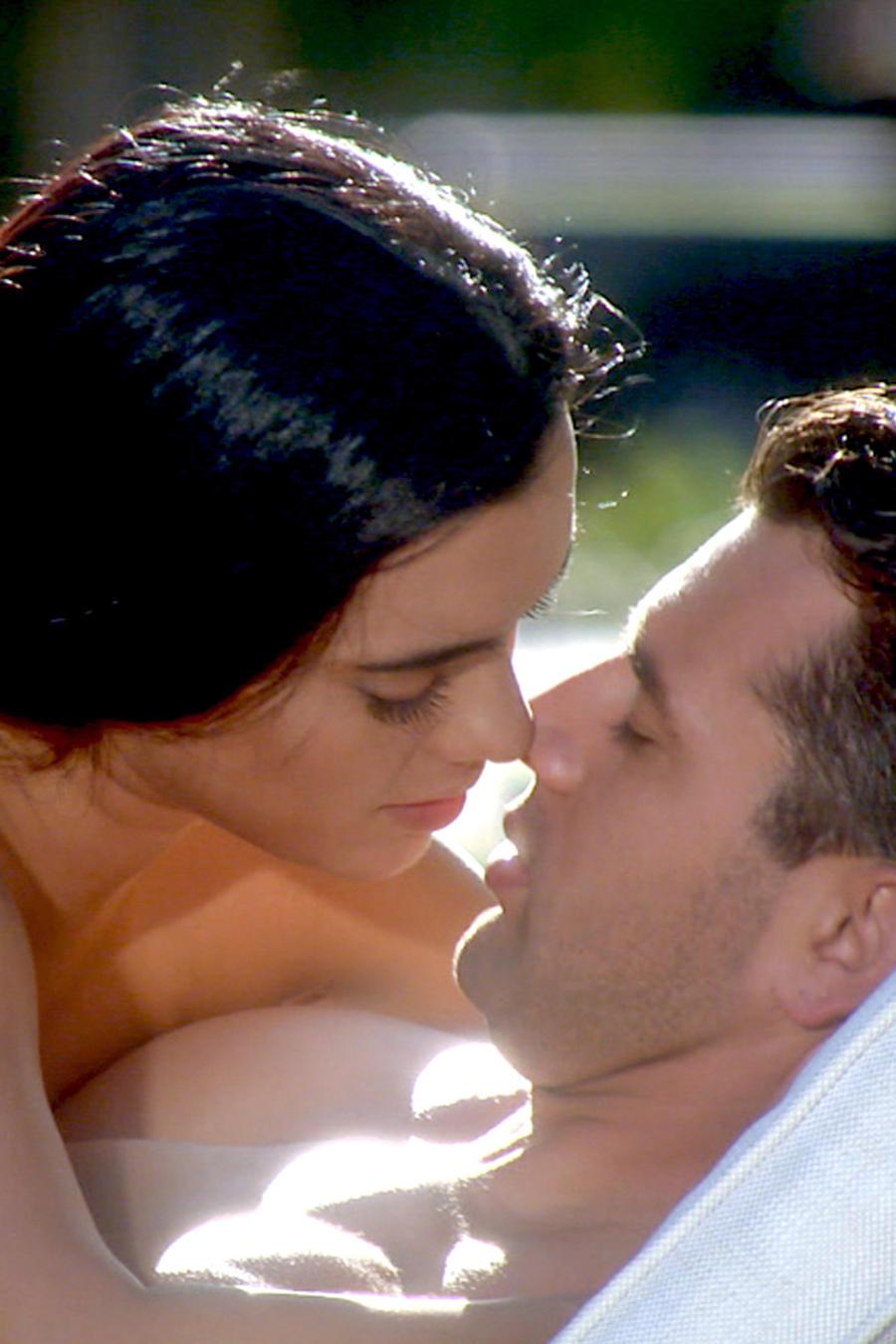 Novelas, Tierra de Reyes, Christian de la Campa, Scarlet Gruber, Samuel Gallardo, Andrea del Junco, momentos románticos, mejores besos, msn