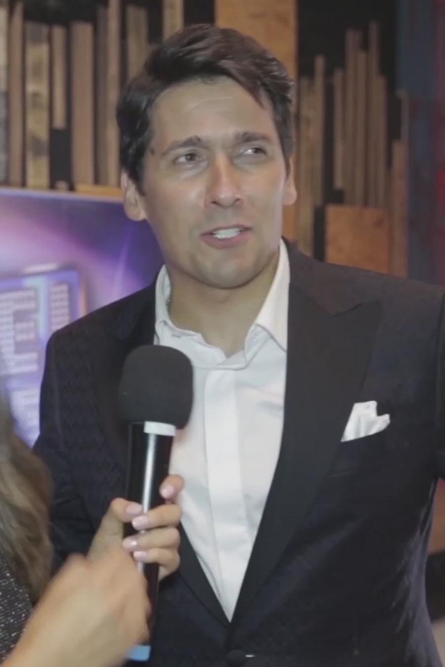 Rafael Araneda en entrevista con Caeli en el 1er programa de Sí Se Puede