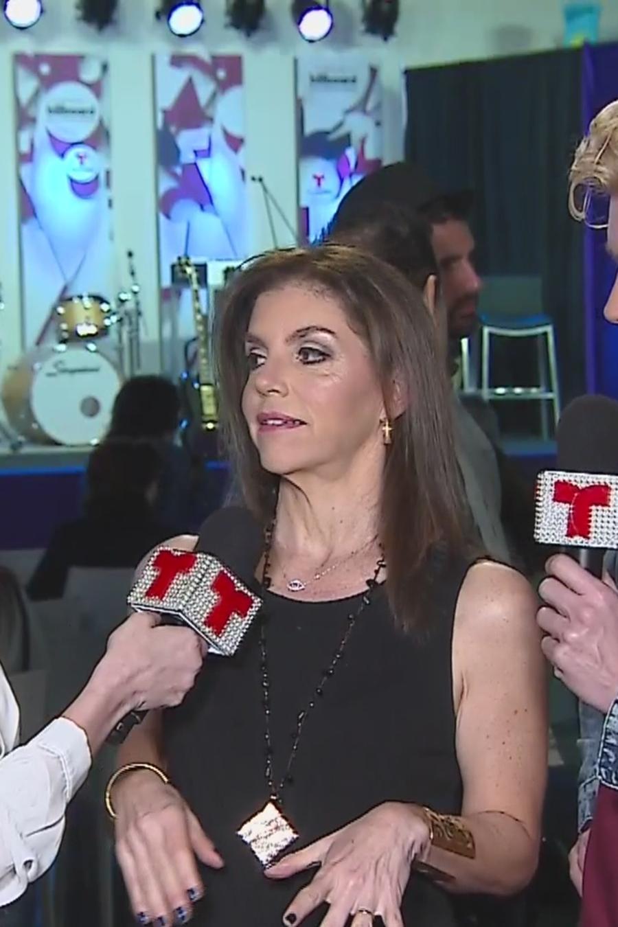 Daniela Navarro, Leila Cobo y Christian Acosta en la conferencia de prensa de los finalistas de Premios Billboard 2016