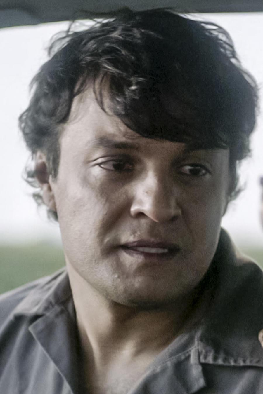 Julián Román en Hasta Que Te Conocí