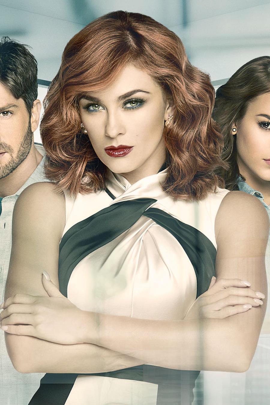 Aracely Arámbula, David Chocarro y Danna Paola en La Doña