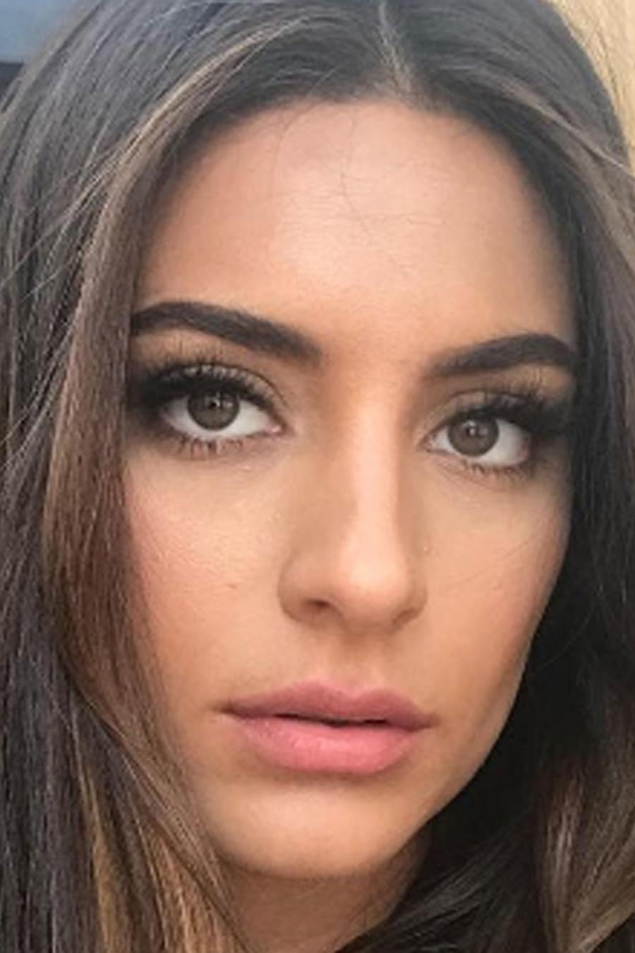 Ana Brenda Contreras selfie