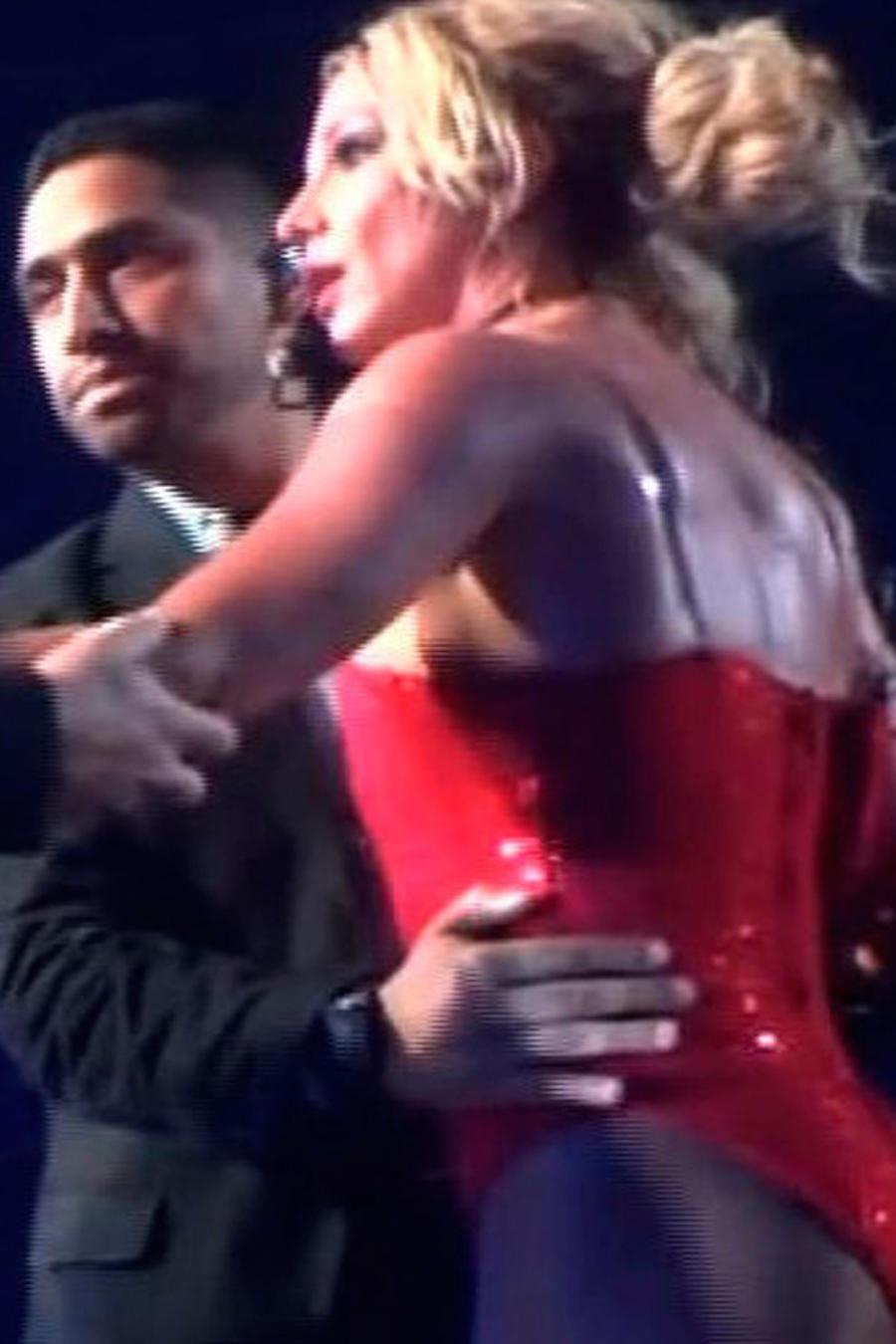 Britney Spears pasó un gran susto en su concierto