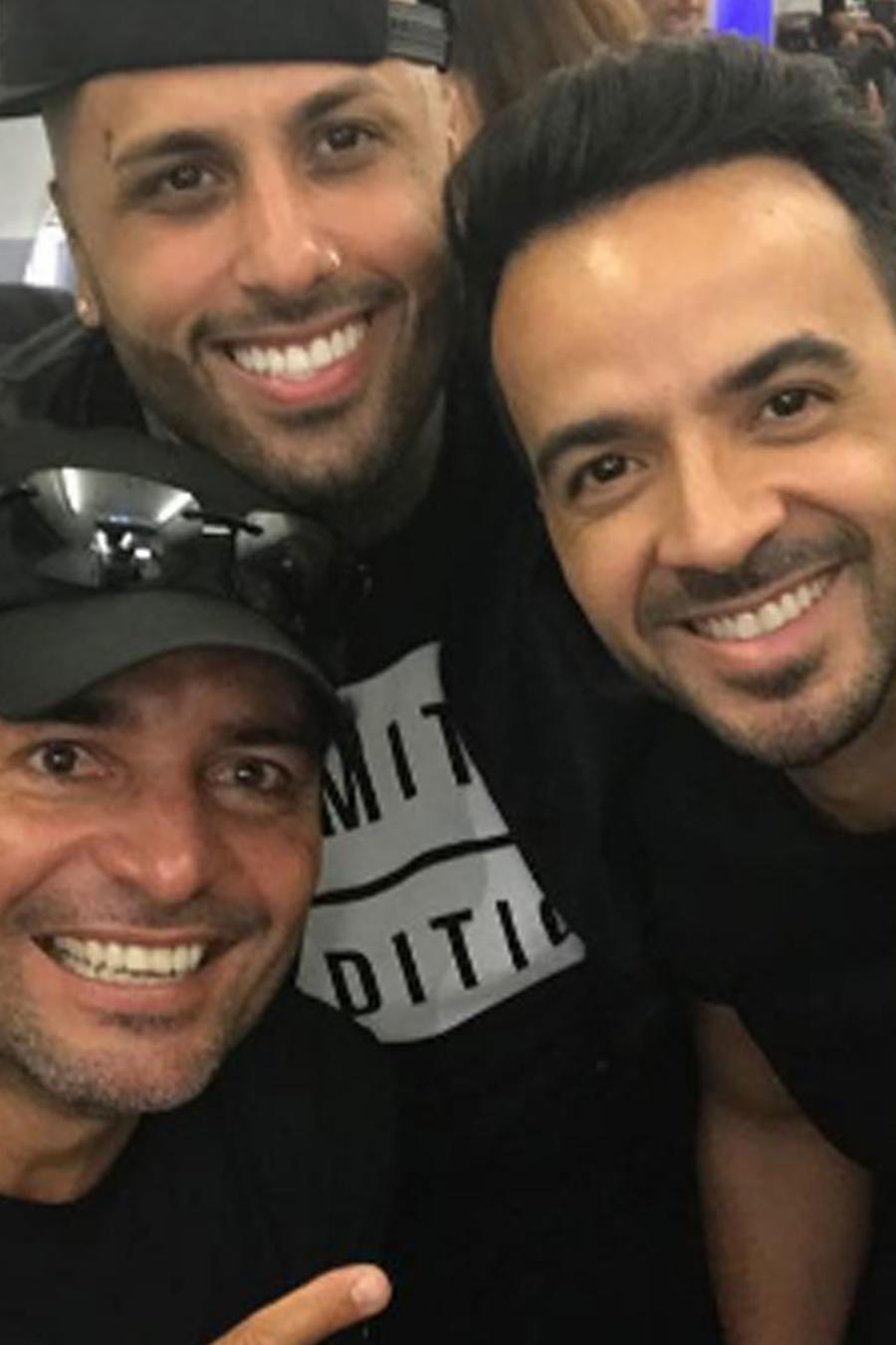 Los cantantes boricuas llegaron a Puerto Rico con ayuda