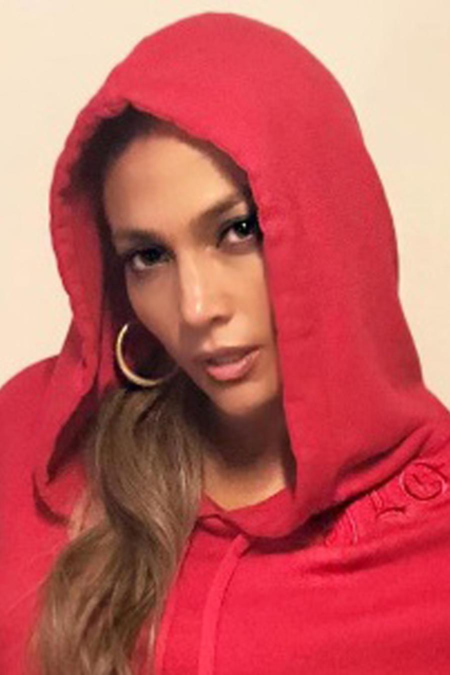 Jennifer Lopez con Hoodie