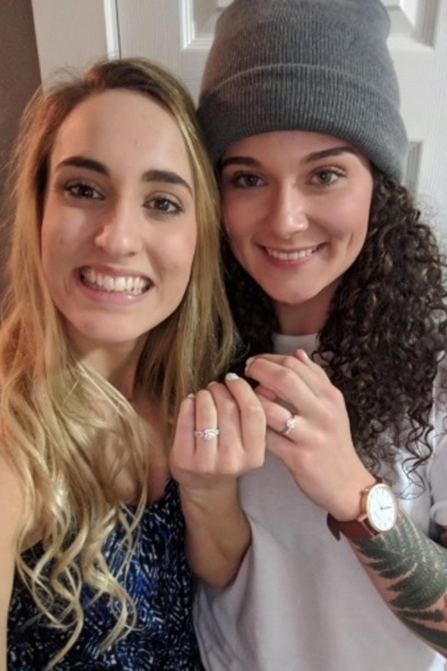 Berkley Cade y Toni Monaco con anilos