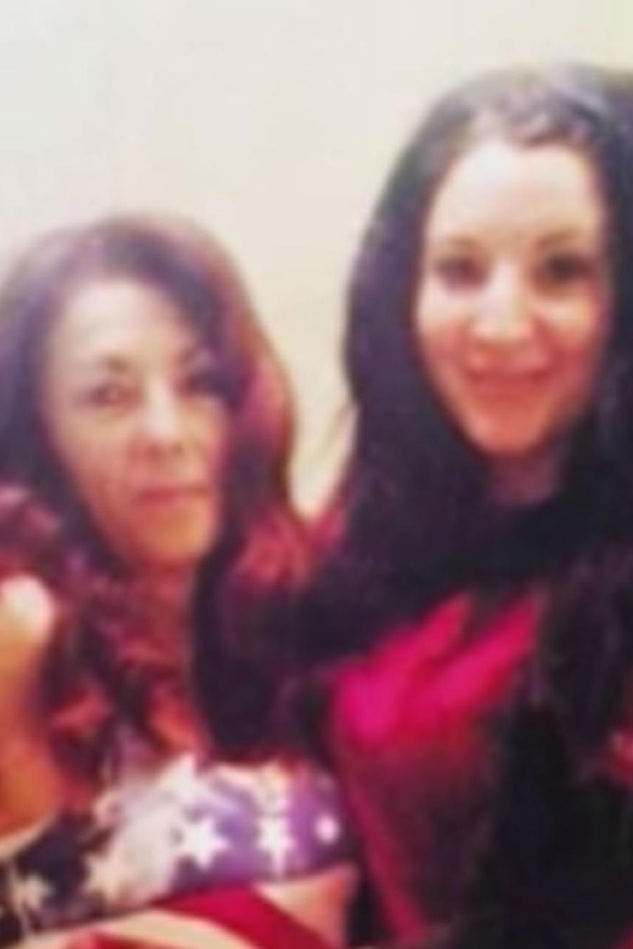 Caitlin Hallock y su mamá