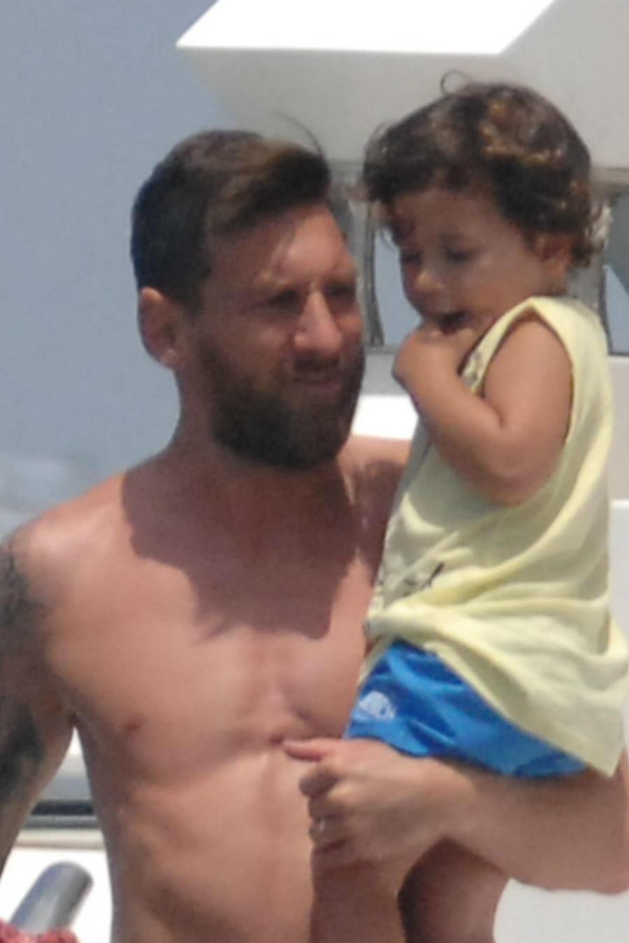 Leo Messi con su hijo