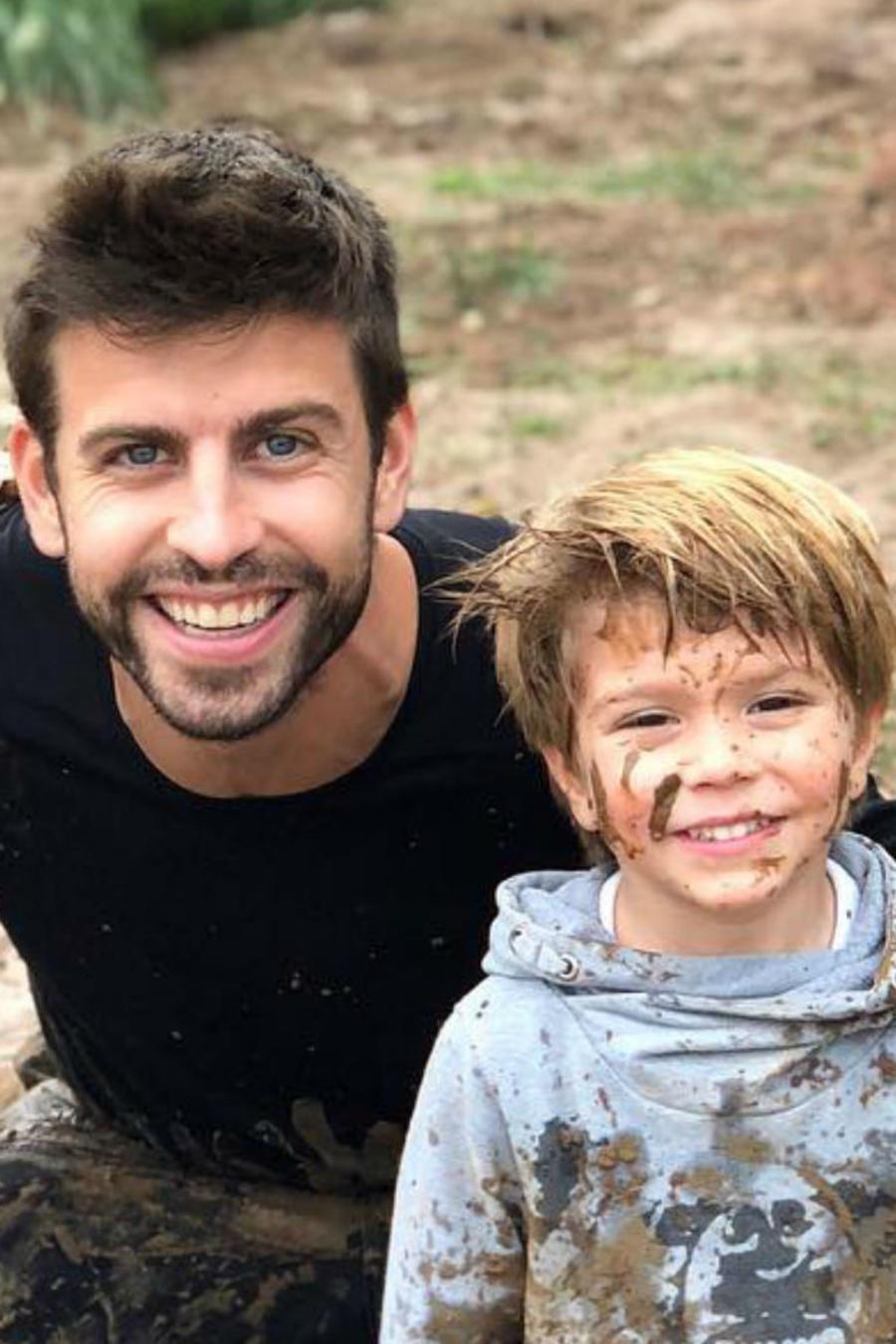 Gerard Piqué con sus hijos