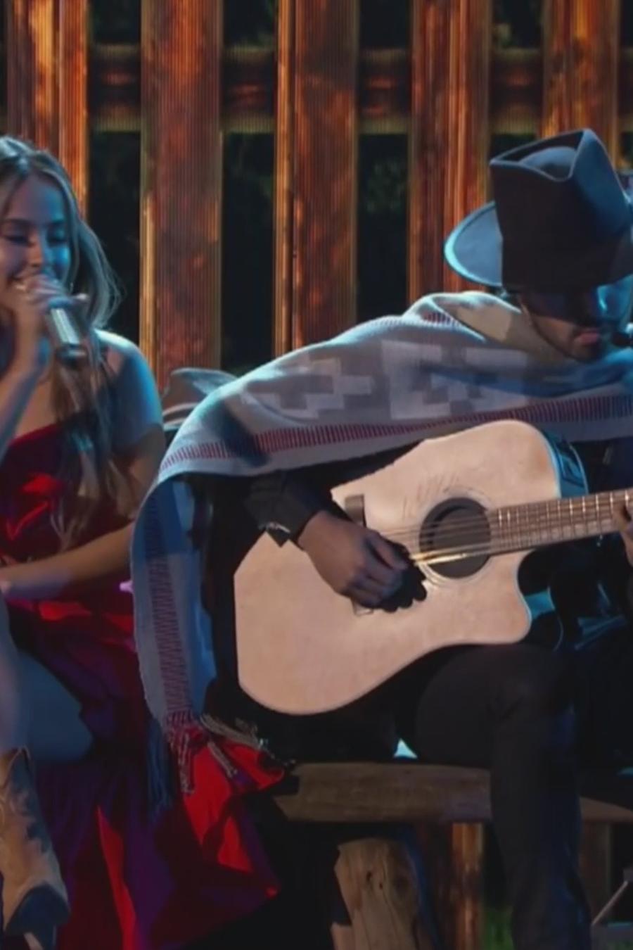 Becky G y Joss Favela en los Latin AMAs 2018