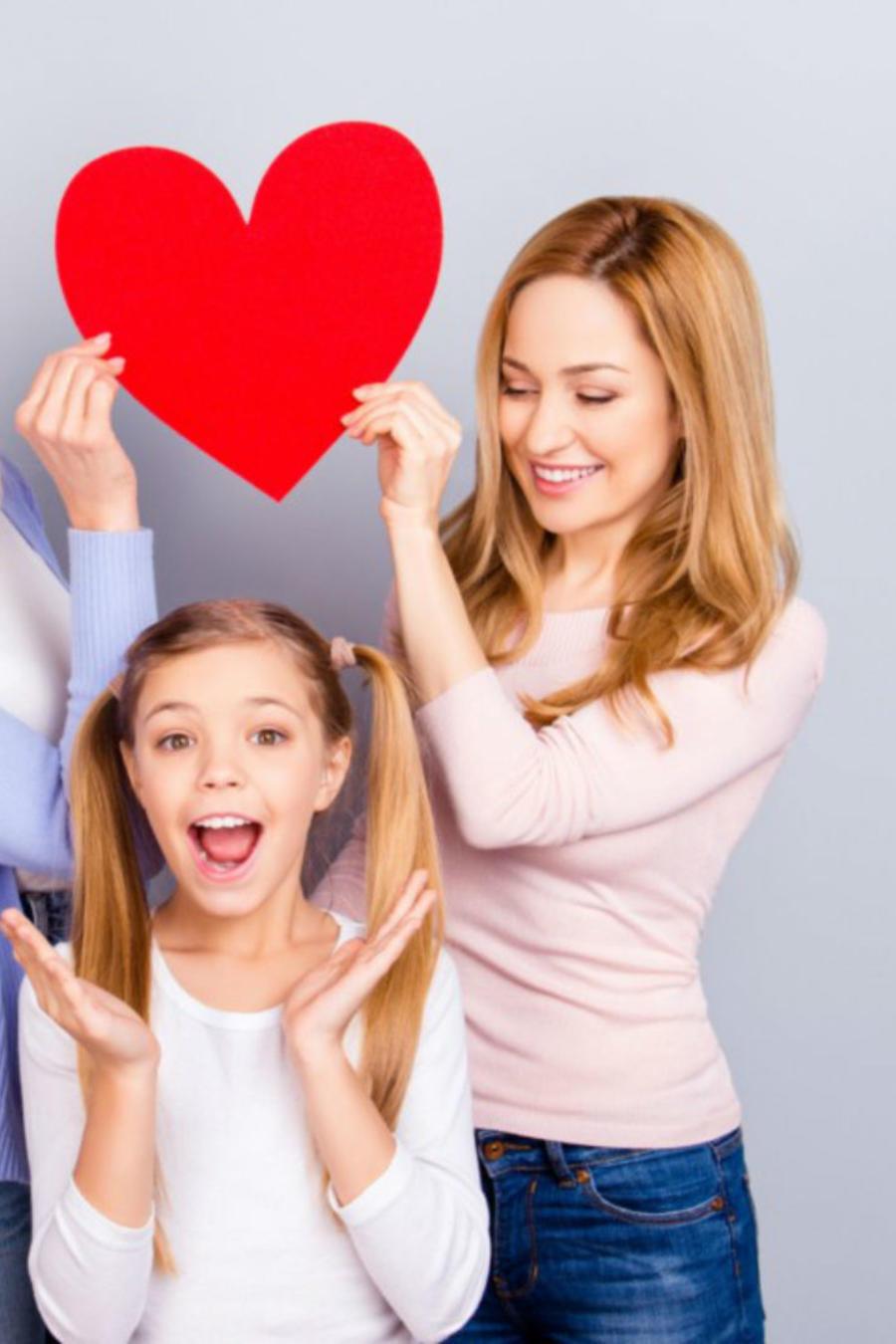 Mamá, hija y abuela