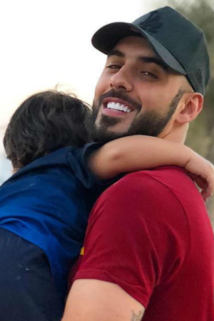 Omar Borkan con su hijo Theyab