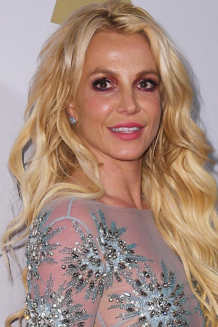Britney Spears en la Pre-GRAMMY Gala and Salute to Industry Icons Honoring Debra Lee en febrero de 2017