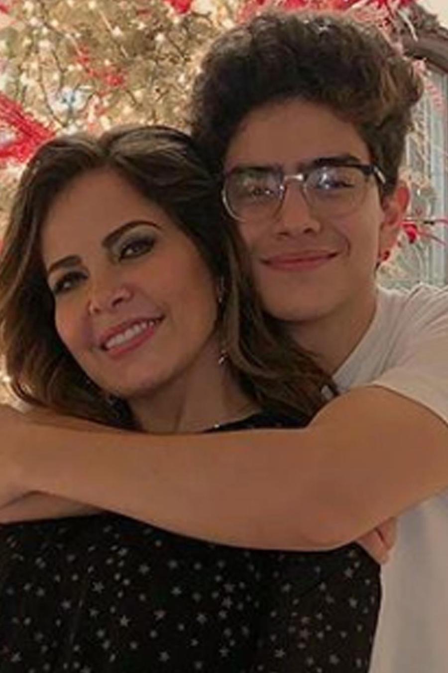 Gloria Trevi con su hijo