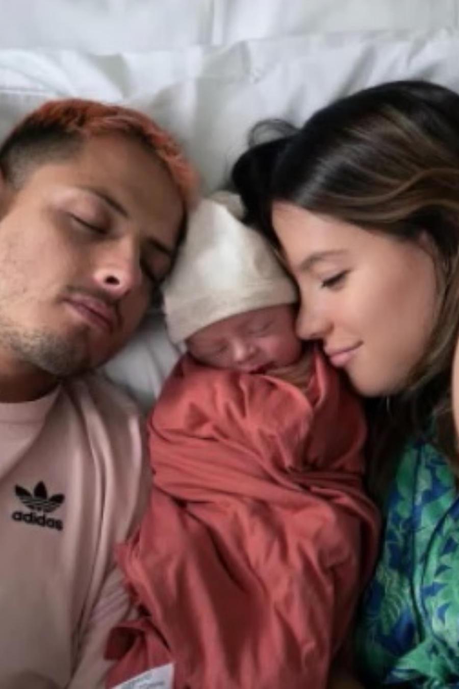 """Javier """"Chicharito"""" Hernández, Sarah Kohan y su bebé Noah"""