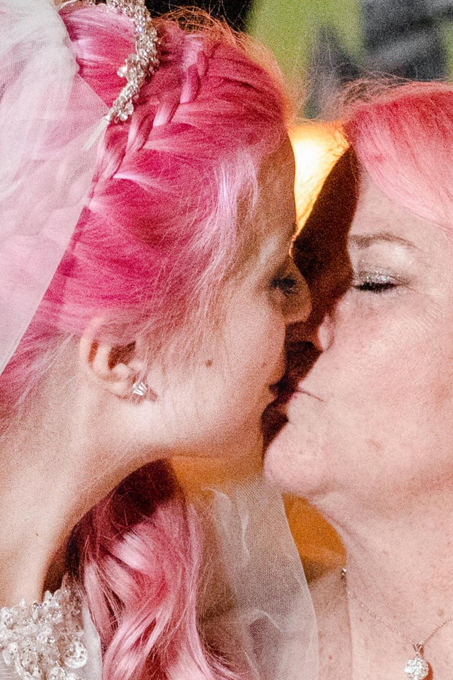 Dos mujeres se casan sin importar la diferencia de edad
