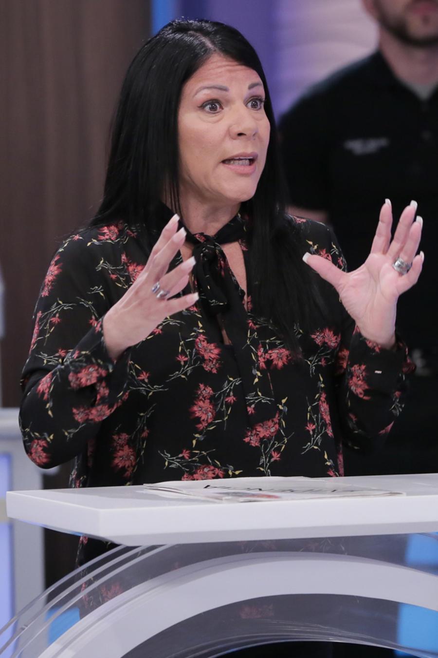 """""""Odio latino"""" y """"Metió preso a mi marido"""""""