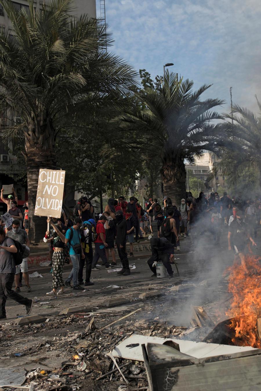 Protestas en Chile dejan al menos 15 muertos