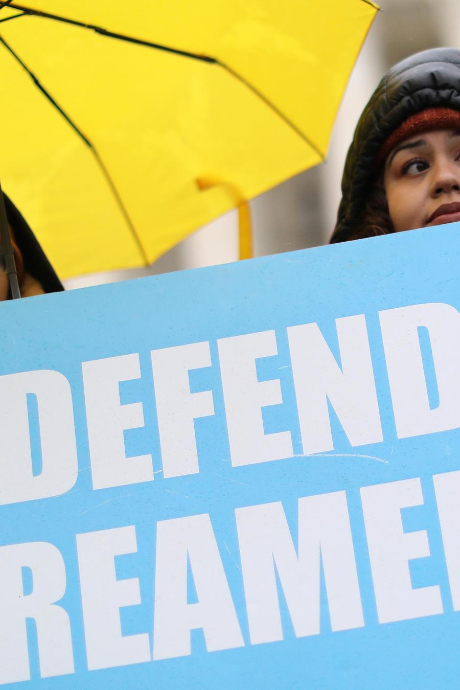 Dreamers piden que DACA siga existiendo frente a la Corte Suprema.
