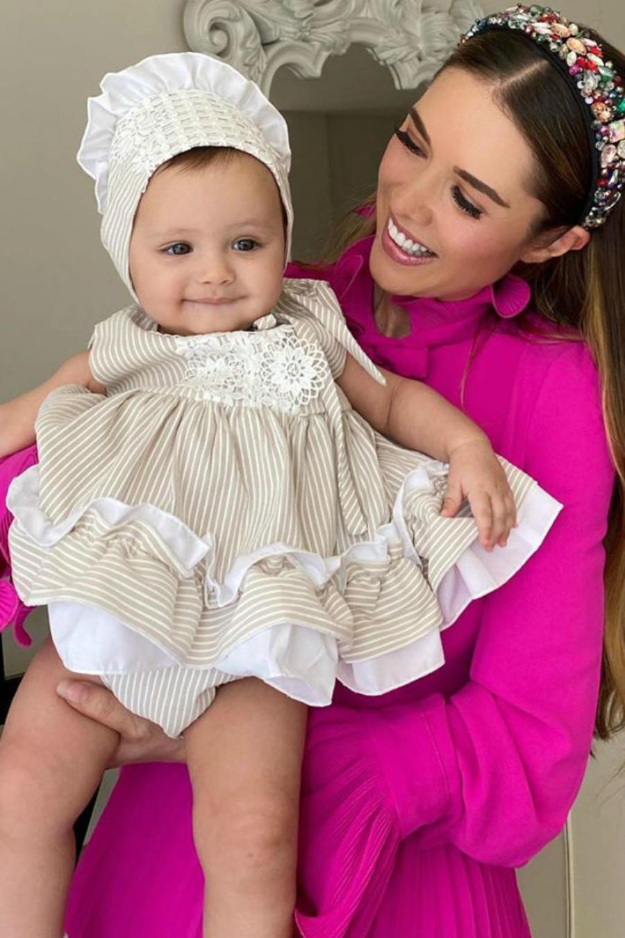 Marlene Favela con su hija