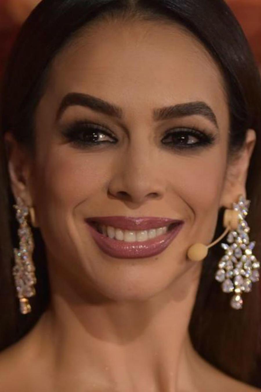 Biby Gaytán maquillada
