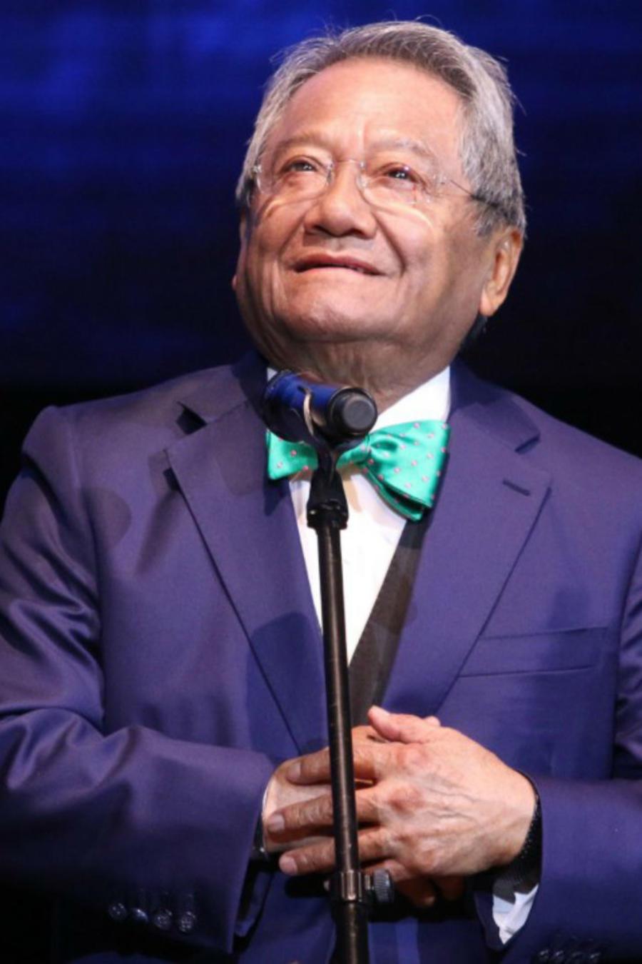 Armando Manzanero en una de sus presentaciones